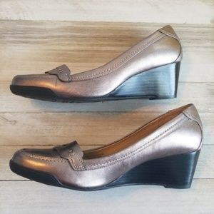 Wedge Loafer Metallic Leather 8 Adrienne Vittadini